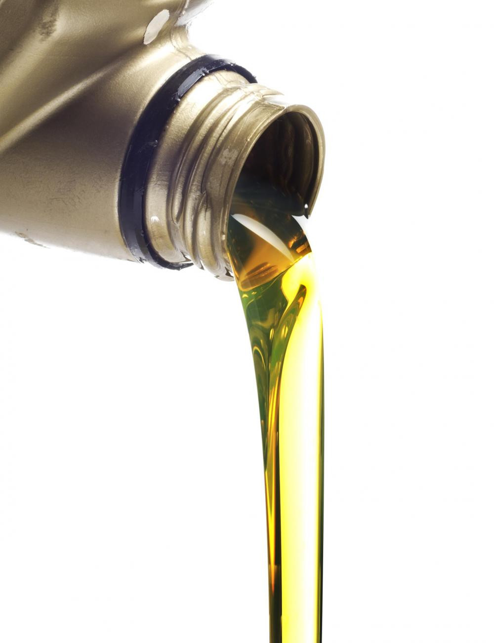 Mineral oil for air cooled and water cooled petrol truckmounts 2l